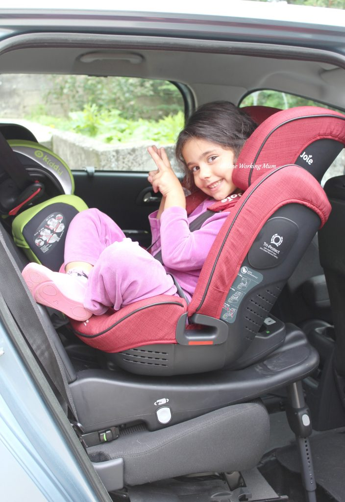 on a test le si ge auto stages isofix de joie. Black Bedroom Furniture Sets. Home Design Ideas